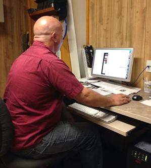 David Vickers a Experienced Graphic Designer and Pre-Press Operator at Florida Sun Printing.